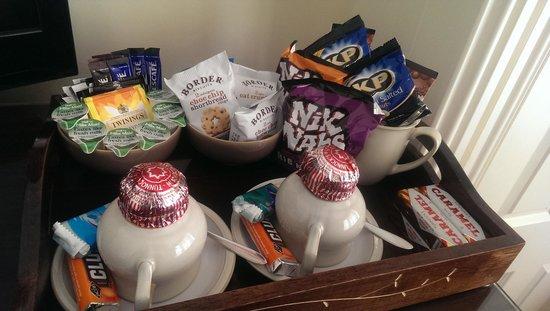 The Twenty One: Tea tray in room!
