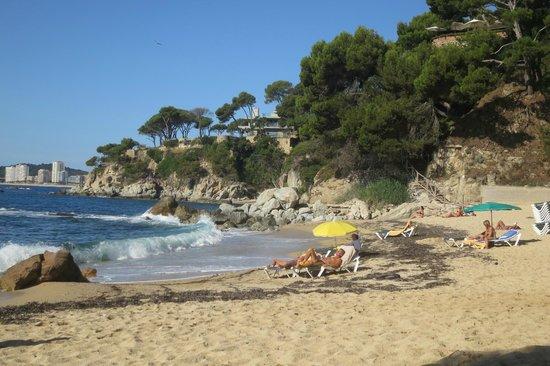Hotel Cap Roig : На пляже.