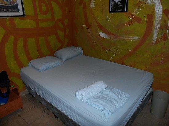 Hostal Mamallena: Bedroom