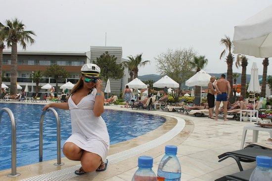 Palm Wings Beach Resort: the pool