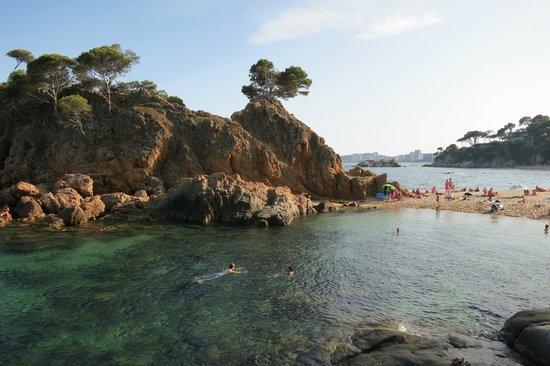 Hotel Cap Roig: На пляже.