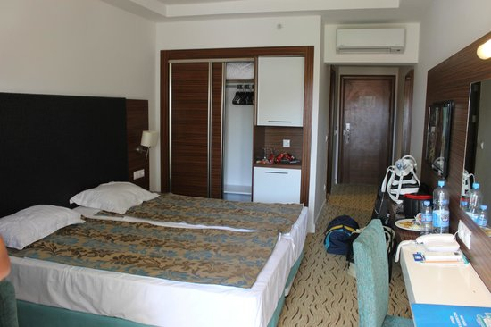 Palm Wings Beach Resort: our room- standart