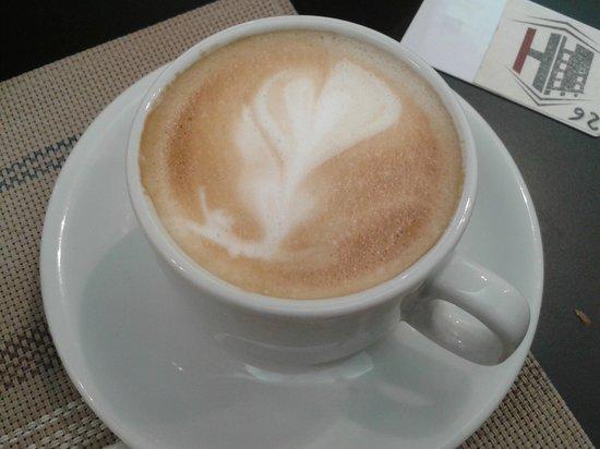 Hotel Ivanhoe : colazione cappuccino