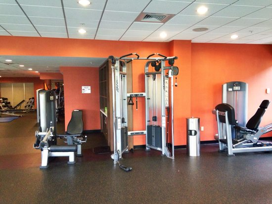 Courtyard by Marriott Miami Airport: Angle 4 of fitness center
