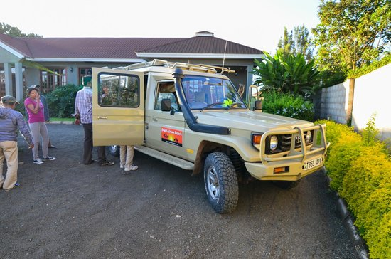 Bright African Safaris: The Land Cruiser we used