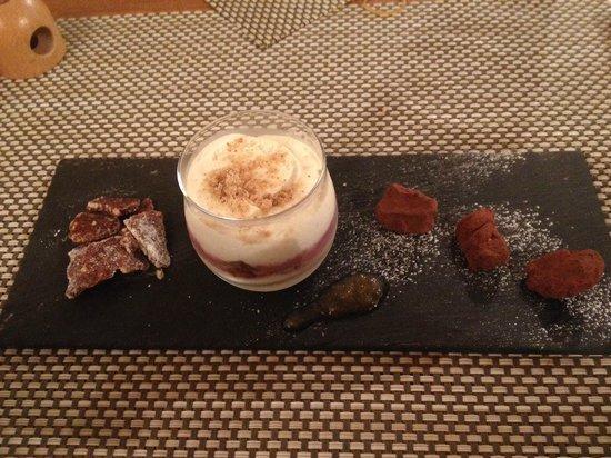 Agriturismo Montefabbrello : ottimo dessert