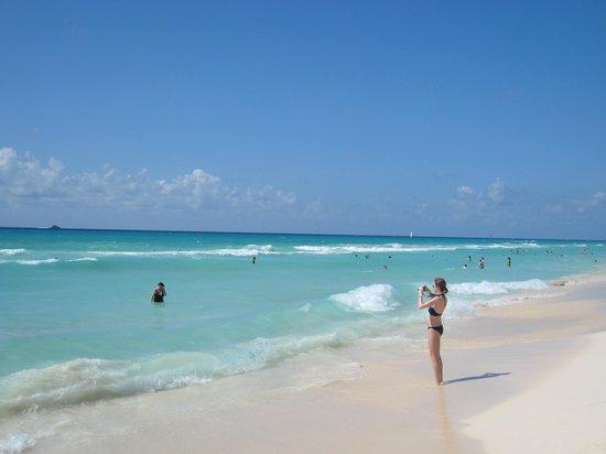 Hotel Riu Palace Riviera Maya: The Amazing Beach