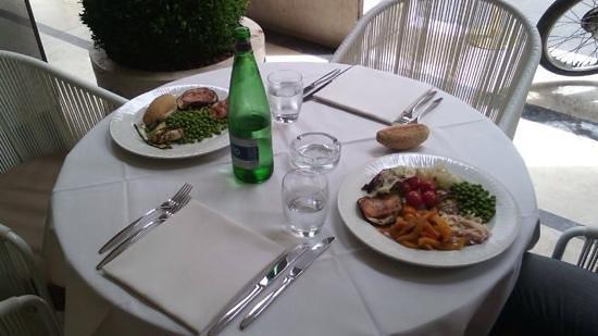 Ristorante Vittoria: il tavolo