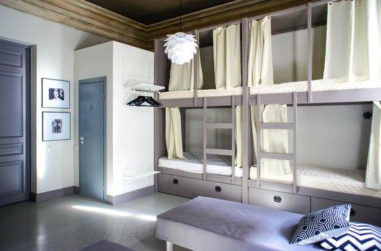 Hostel Club Chao, Mama: Твигги,  8-мест, в номере есть душевая и санузел