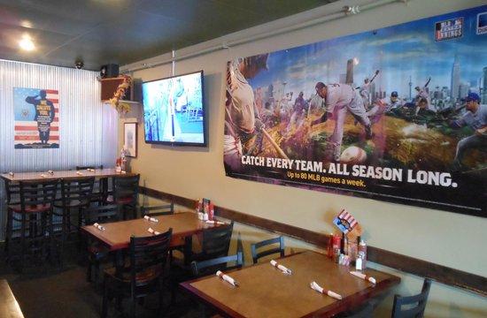 Wyoming's Rib and Chop House : Bar area