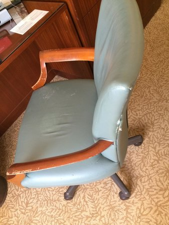 InterContinental New York Barclay: Chairs need replacing or some vanish