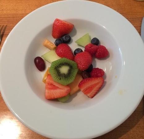 Sophia's B&B: breakfast fruit
