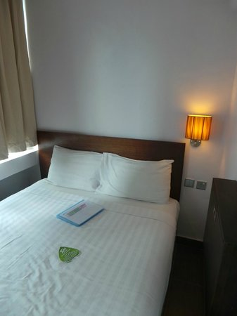 Tune Hotel Waterfront Kuching: Chambre