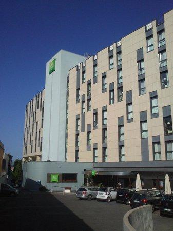 Ibis Styles Roma Eur: Hotel view