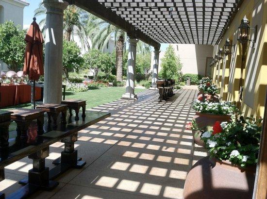 Omni Scottsdale Resort & Spa at Montelucia: Ballroom Patio