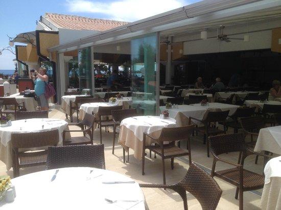 Club Belcekiz Beach Hotel: Dining area
