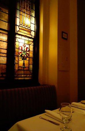 Brendan's Bar & Grill: Decor