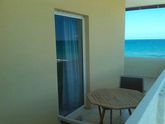Aptera Beach: Private balcon
