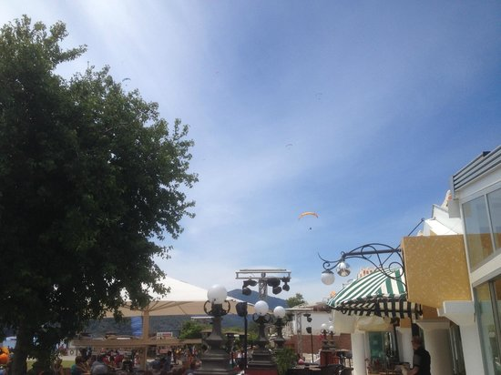Club Belcekiz Beach Hotel: Para gliders
