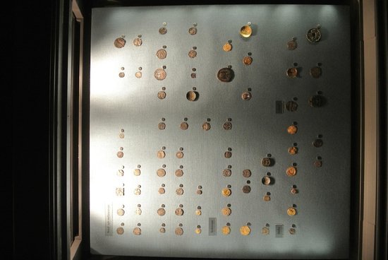Royal Coin Cabinet