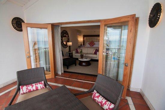 The House by Elegant Hotels: 3rd Floor Ocean View Balcony