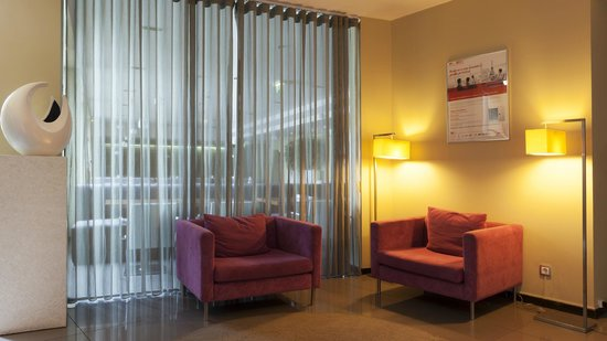 Holiday Inn Express Lisbon Airport: Our elevator lobby