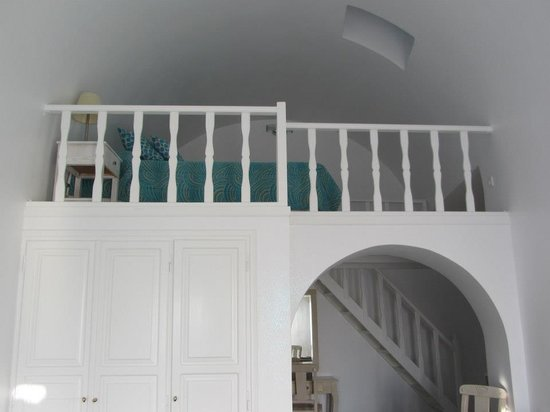 Astra Suites: Room Upstairs