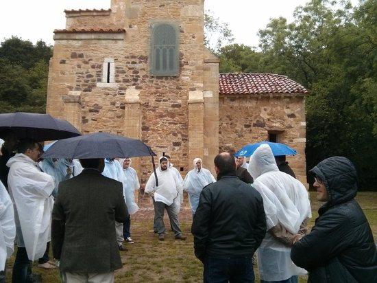 San Miguel de Lillo: Llueve.