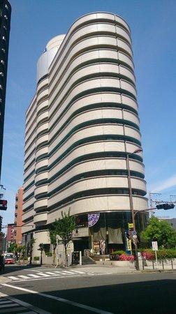APA Hotel Osaka Temma : ホテル外観(定番の角度から)