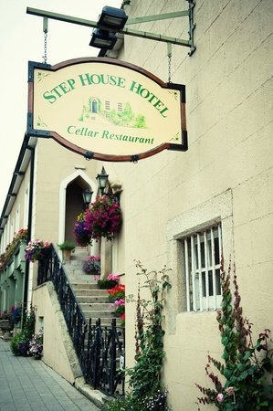 Step House Hotel: Front