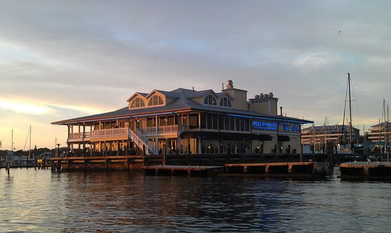 Riverhouse Waterfront Restaurant