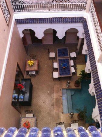 MonRiad: cortile dal primo piano