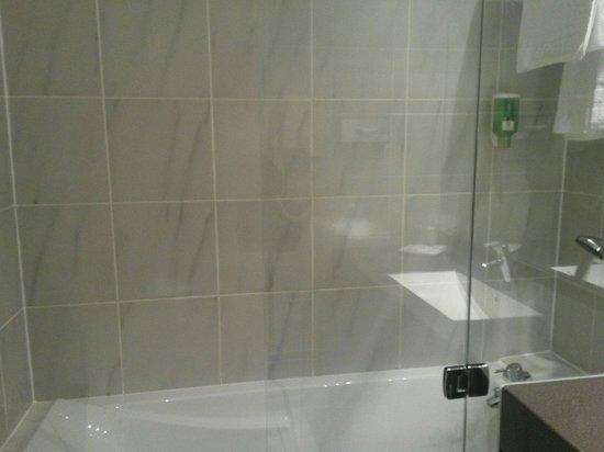 Best Western Hotel Crystal: Salle de bain 2