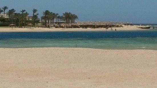 Marina Lodge at Port Ghalib: on the beach