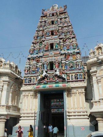 Sri Maha Mariamman Temple : Entrée du temple