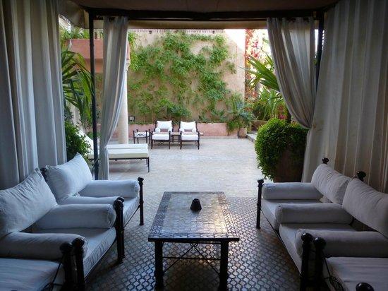 Les Jardins de La Koutoubia : terrasse de la chambre