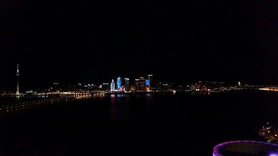 Altira Hotel : View at night