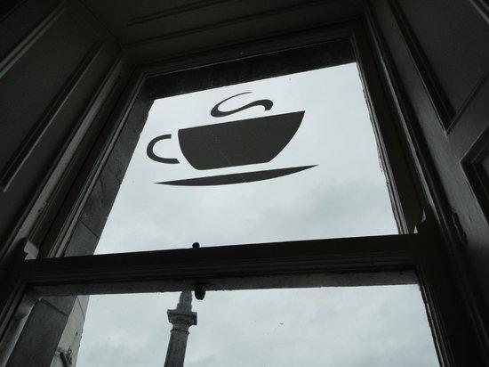 Suas Coffee House: Window sign