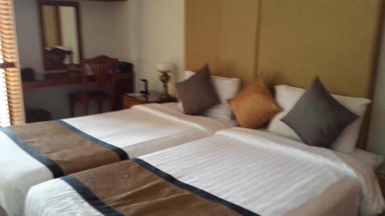 Kantary Bay, Phuket: ห้องนอน กั้นเป็นส่วนตัวจากหัองนั่งเล่น