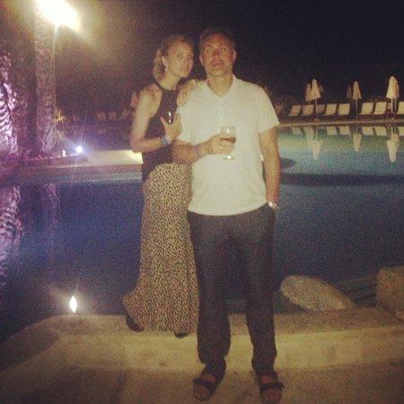 Coral Beach Hotel & Resort: Happy days!