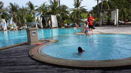 Kantary Bay, Phuket: สระว่ายน้ำ Cape Panwa