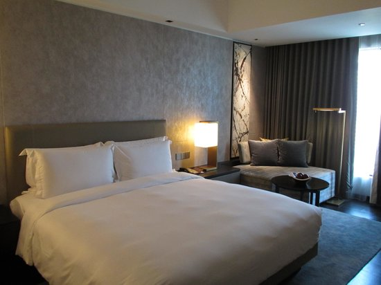 New World Makati Hotel: Residence club room