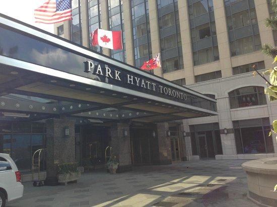 Park Hyatt Toronto: Sign