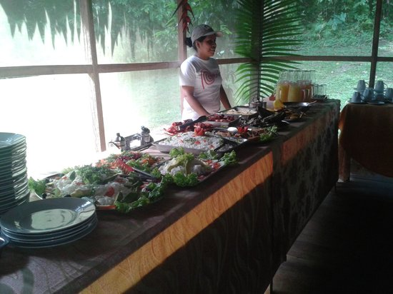 Jungle Explorer Lodge: Buffet