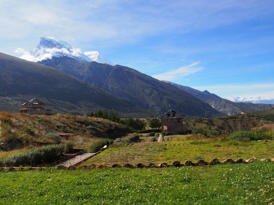 Llanganuco Mountain Lodge: Charlie is continually building and perfecting his place