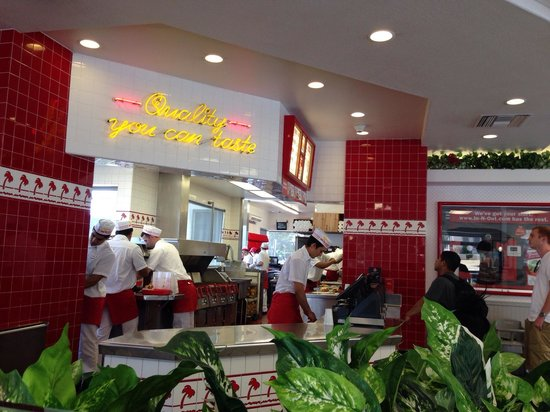 In-N-Out Burger : 店内