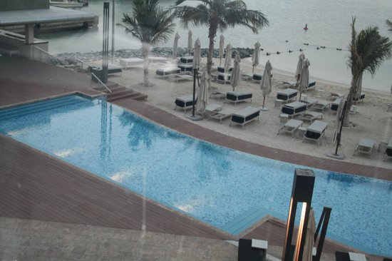 Jumeirah at Etihad Towers : pool