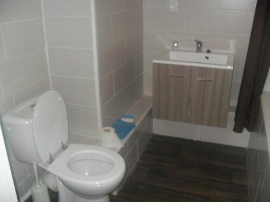Hotel Serge: Salle de bains