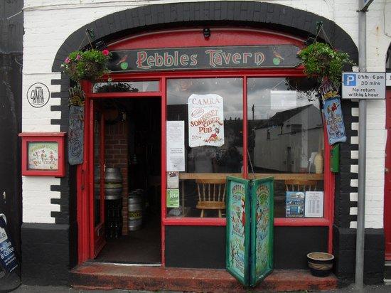 Pebbles Tavern: Yer tis!