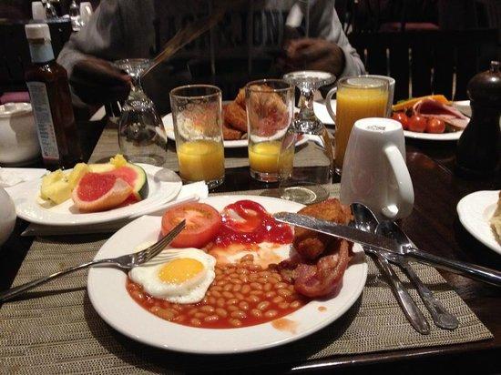 Hilton Cobham: Breakfast